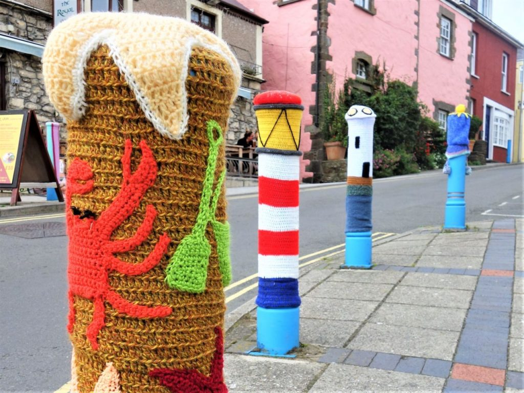 Coastal Road Trip, Saundersfoot, Wollen bollard covers