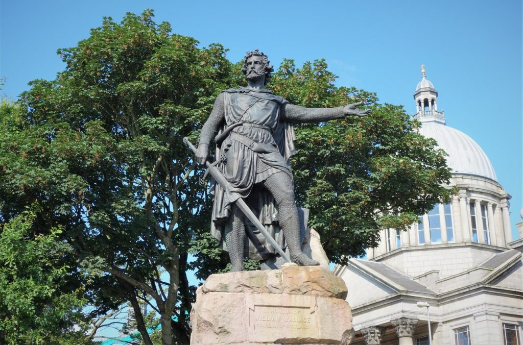 Coastal Road Trip, Aberdeen, William Wallace, Statue, Aberdeen St. Mark's Church of Scotland
