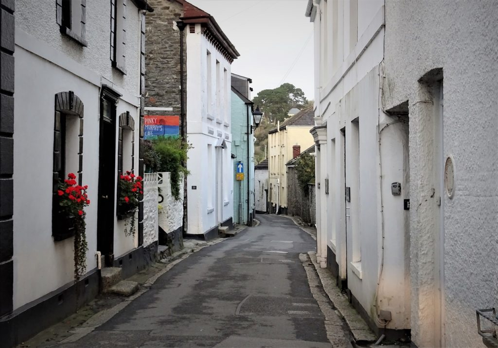 Coastal Road Trip, Fowey, North Street, Narrow Street, Pinky Murphy's Cafe