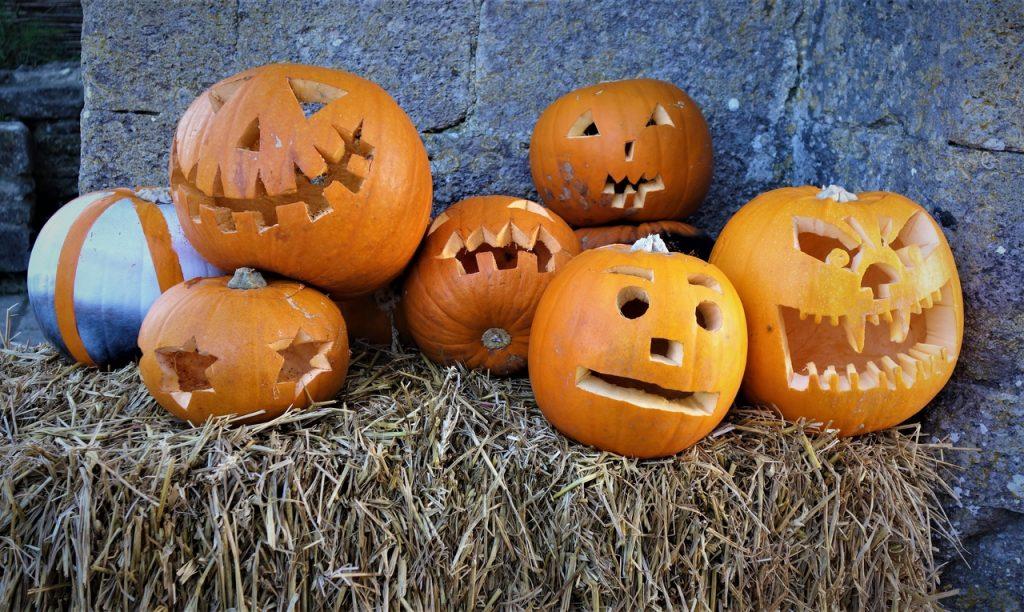 Coastal Road Trip, Corfe Castle, Pumpkins, Halloween, Jock-o'-lantern