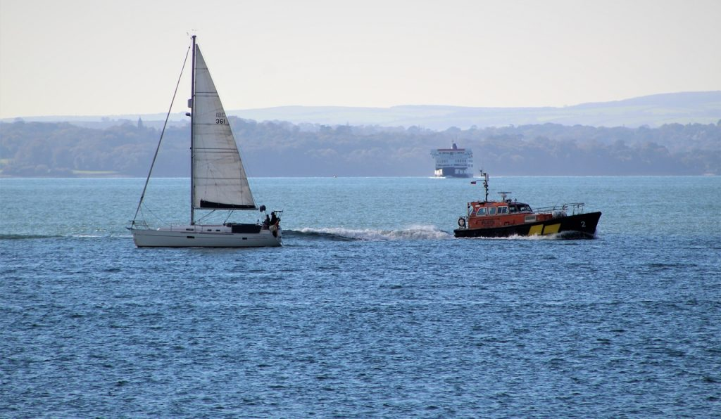 Coastal Road Trip, Portsmouth, Harbour Entrance, Solent, Yacht, Ferry, Pilot Boat