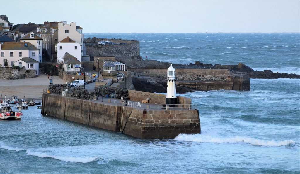 Coastal Road Trip, St Ives New Lighthouse, St Ives, Harbour Beach, Smeatons Pier